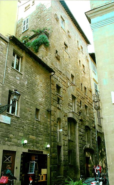 Torre dei giudi appartamenti in affitto centro storico firenze for Appartamenti in affitto firenze
